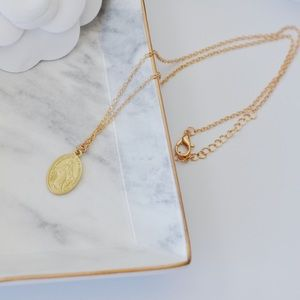 Matte Gold Retro Mary Coin Necklace (one piece)